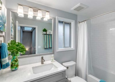 Tigard-Contemporary-Bath